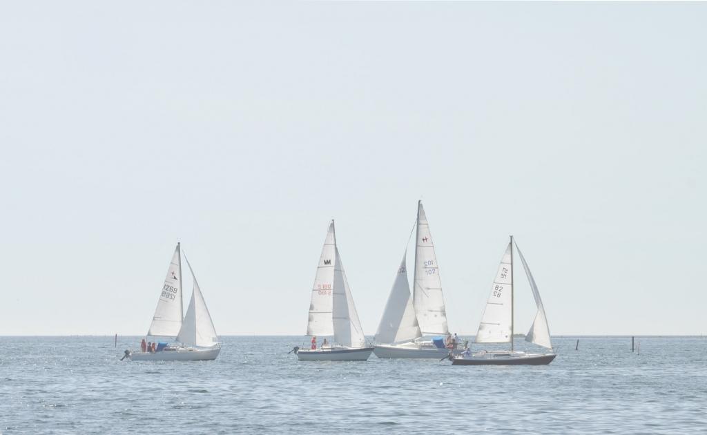 Kappseglingar Bergkvara Båtklubb